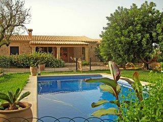 3 bedroom Villa in Llubi, Mallorca : ref 4504