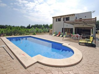 3 bedroom Villa in Santa Margalida, Mallorca : ref 4495