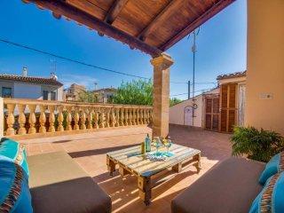 4 bedroom Villa in Cala Morlanda, S Illot, Mallorca, Mallorca : ref 2397306