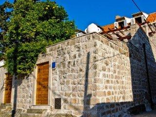 2 bedroom Villa in Dubrovnik, Dubrovacko-Neretvanska Zupanija, Croatia : ref 531