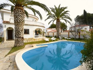4 bedroom Villa in Miami Platja, Costa Daurada, Spain : ref 2396139