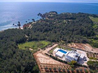 6 bedroom Villa in Portimao, Faro, Portugal : ref 5312121
