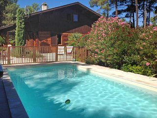 4 bedroom Villa in Le Moutchic, Nouvelle-Aquitaine, France : ref 5699937