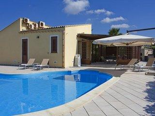 3 bedroom Villa in Custonaci, Sicily, Italy : ref 2395682