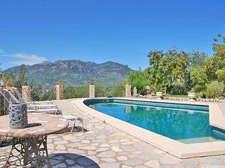 2 bedroom Villa in Fornalutx, Mallorca, Mallorca : ref 2395484