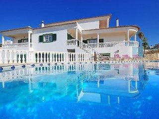 3 bedroom Villa in Ferragudo, Algarve, Portugal : ref 2395220