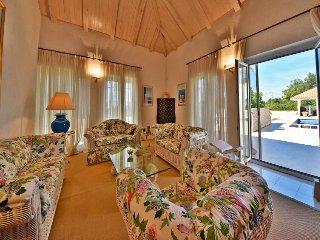 Barci Holiday Home Sleeps 8 with Pool and Free WiFi - 5311186