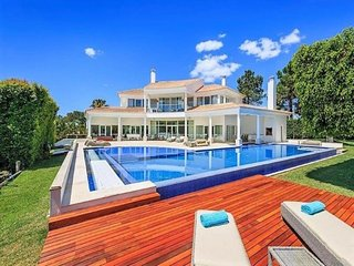 4 bedroom Villa in Quinta do Lago, Algarve, Portugal : ref 2395174