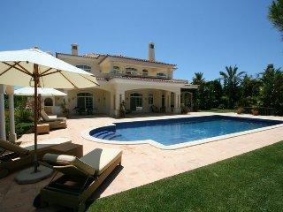 5 bedroom Villa in Quinta do Lago, Algarve, Portugal : ref 2395109