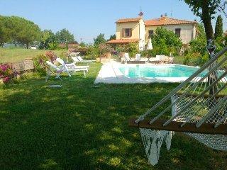 3 bedroom Villa in Foiano Della Chiana, Tuscany, Italy : ref 2394737