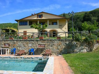 4 bedroom Villa in San Giustino Valdarno, Tuscany, Italy : ref 2394722