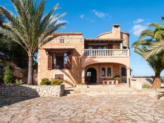 4 bedroom Villa in Cala d'Or, Mallorca, Mallorca : ref 2394694