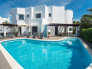 6 bedroom Villa in Cala d'Or, Mallorca, Mallorca : ref 2394678