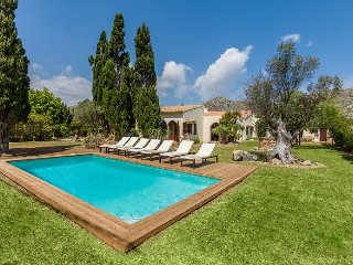 Villa Galla for groups of 6 guests, only 2km from the beaches of Puerto Pollensa