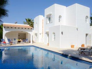 5 bedroom Villa in Cala d'Or, Mallorca, Mallorca : ref 2394658