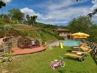 5 bedroom Apartment in Calcinaia, Casentino, Tuscany, Italy : ref 2386807