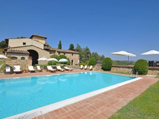 4 bedroom Apartment in San Casciano In Val Di Pesa, Chianti, Tuscany, Italy