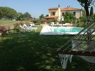 3 bedroom Apartment in Foiano Della Chiana, Val D orcia, Tuscany, Italy : ref