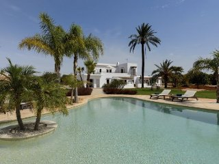 5 bedroom Villa in San Carlos/ Sant Carles de Peralta, Baleares, Ibiza : ref
