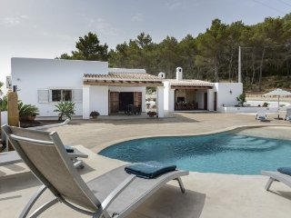 2 bedroom Villa in Santa Gertrudis, Baleares, Ibiza : ref 2385345