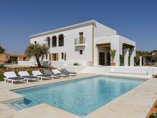 4 bedroom Villa in Santa Eulalia del Rio, Baleares, Ibiza : ref 2385329