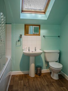 Bathroom with showe and bath - towels provided