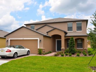 Spacious 6 bedroom 5.5 bath home 6 miles from Disney from $203nt