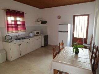 Two Bedroom Bungalow Close To The Beach