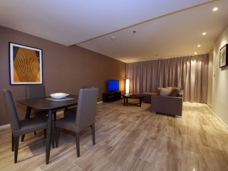Signature Holiday Homes- Luxury 1 Bedroom Apartment, D1 Residences