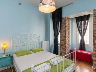 Lovely&Bright, Super Central Studio Loft in Taksim