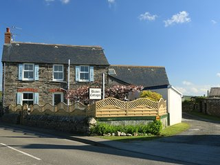 2 bed (sleeps 6) self catering holiday cottage near Tintagel