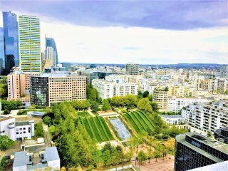 Paris la Défense - 2 pièces 52m² grand balcon