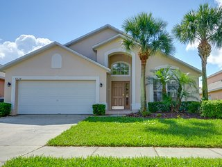 Comfortable 4 bedroom 2 bath Resort home 2.5 miles to Disney from $163nt