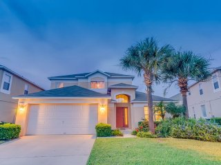 Amazing 5 bedroom 3 bath Resort home 2.5 miles to Disney from $203nt