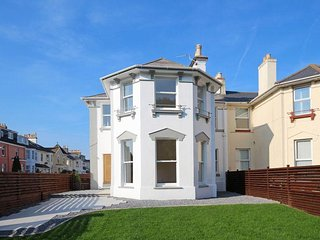 Sands Road, 4 Bed Luxurious House, close to Paignton Beach, Harbour & Town