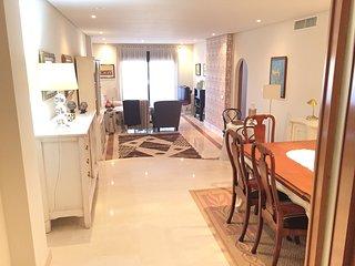 Apartamento de lujo en Marbella  a 100m de playa. 4-5 personas