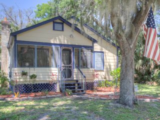 Old Florida Beach town Drive to Atlantic Ocean East of Orlando Attractions
