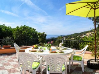 Appartement Bellavista, vue sur la mer, piscine, entre Lloret et Tossa, calme