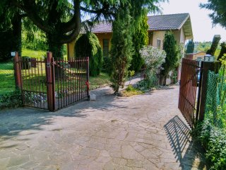 Daniela's Casa.Independent house 120 sq mt in 5000 sq mt land.VERY ,VERY QUIET !, Arcugnano