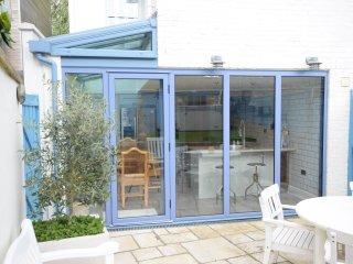 Lavender Cottage - kitchen doors onto rear patio