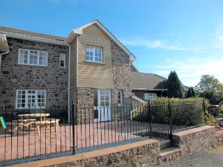FRIAR Cottage in Crediton