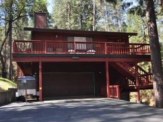 'Monty Pinethon' Slps10 MaxOccup13 2DogsOK Wifi PingPongTable Near Yosemite