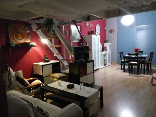 Precioso y tranquilo Loft, ideal parejas en la sierra de Madrid. Wifi y parking.