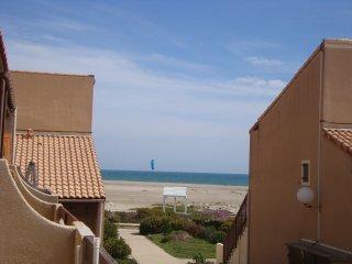 Appart. duplex F3/4 vue sur mer, 30m de la plage, Port Leucate