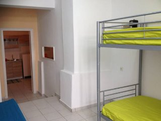 Apartment, 10 min from the town center.