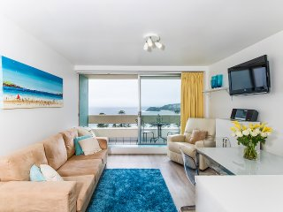 906 Manly National - Comfortable apartment with stunning beach views