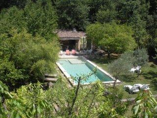 Mas de Favierette avec piscine entouree de verdure dans la Vallee de la Ceze