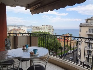 Fully furnished apartment in Nice center