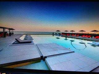 Neue Wohnung mit wunderschönem Meerblick, kostenlose Abholung vom Flughafen