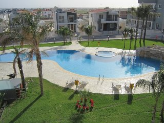 Luxury 1 bedroom penthouse on complex with restaurant, pool and gym, Pyla
